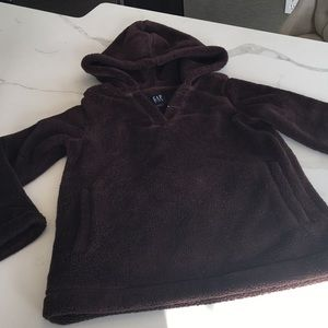Cozy brown pull-over hoody.